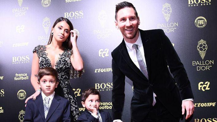 Messi recoge en París su sexto Balón de Oro y deja atrás a Cristiano Ronaldo