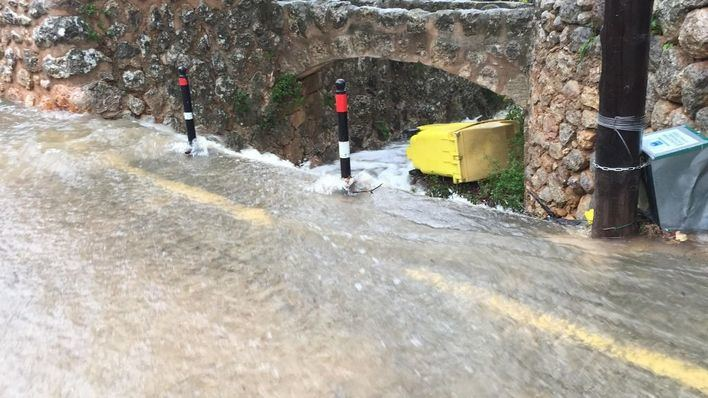 Se reabren seis de las siete carreteras cerradas por las lluvias en Mallorca