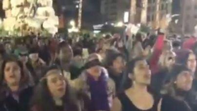 Centenares de mujeres se suman en Palma al movimiento