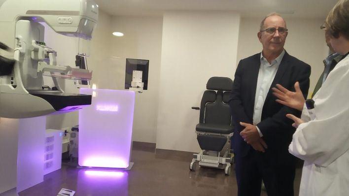 Son Llàtzer incorpora dos nuevos ecógrafos y un mamógrafo 3D