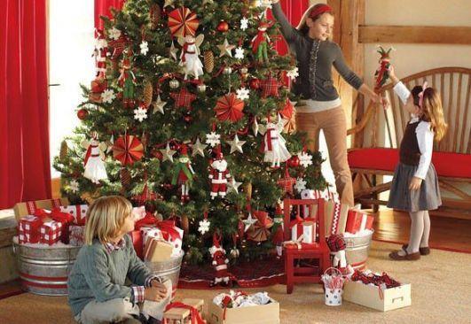 La mayoría de los encuestados adorna su casa durante la Navidad