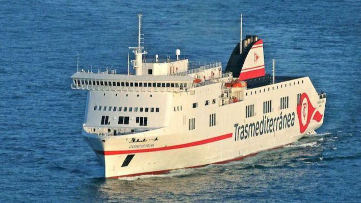 Fomento y Trasmediterránea prorrogan el contrato de servicio público entre Cádiz y Canarias