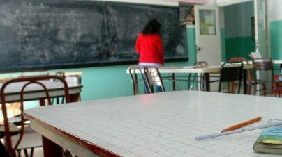 Educació cede a la presión de los docentes: no será obligatorio que fichen