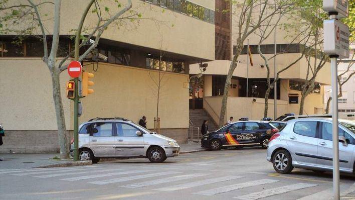 Detenida una mujer por simular dos veces el robo violento de su móvil en Palma