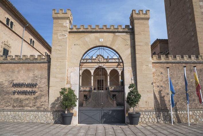 Cinco municipios de Mallorca, premios a las buenas prácticas en el programa Policía Tutor