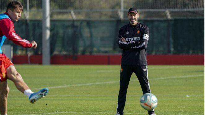 Campos, Sedlar y Baba, las alternativas de Moreno para sustituir a Raíllo ante el Sevilla