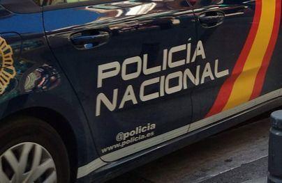 Detenido en Ibiza por amenazar a unos jóvenes con una pistola simulada