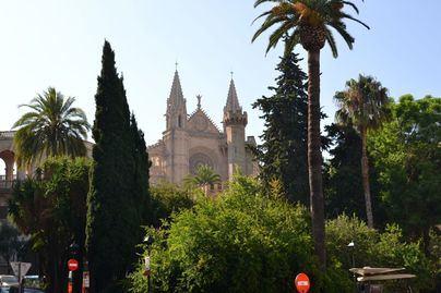 Palma es una de las 13 ciudades del mundo más buscadas por los españoles para recibir el 2020