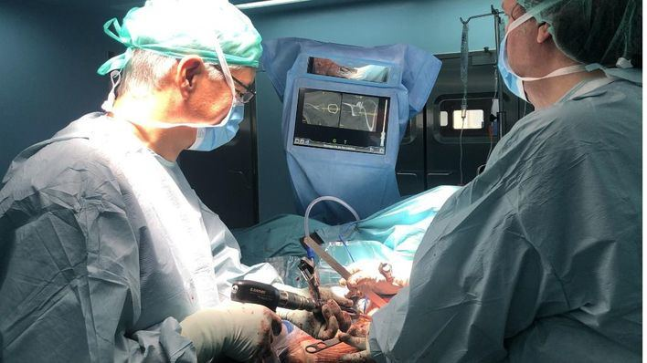 Son Llàtzer realiza un operación de hombro usando tecnología GPS
