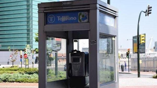 Dos años de 'indulto' para las cabinas telefónicas