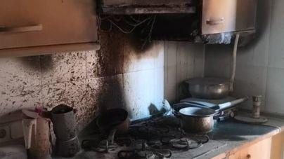 Desalojado un edificio en Es Pont d'Inca por un incendio