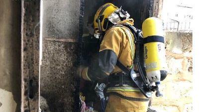 Un incendio en una vivienda de Palma sorprende a sus cinco ocupantes durmiendo