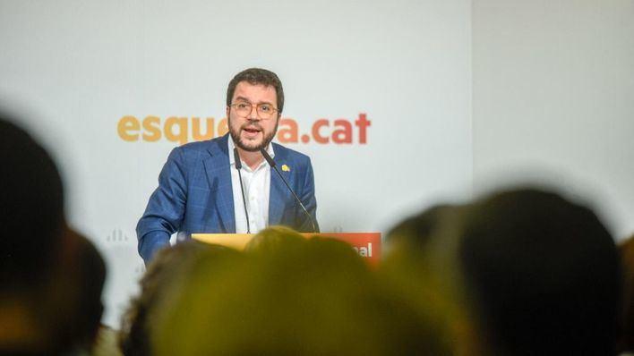 ERC acepta abstenerse y allana la investidura de Sánchez
