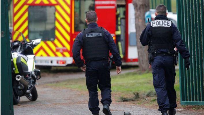 El ataque con cuchillo en París se salda con al menos un fallecido