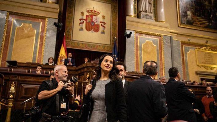 Arrimadas afirma que 'pactar con Bildu y ERC no es progresista es sanchismo'