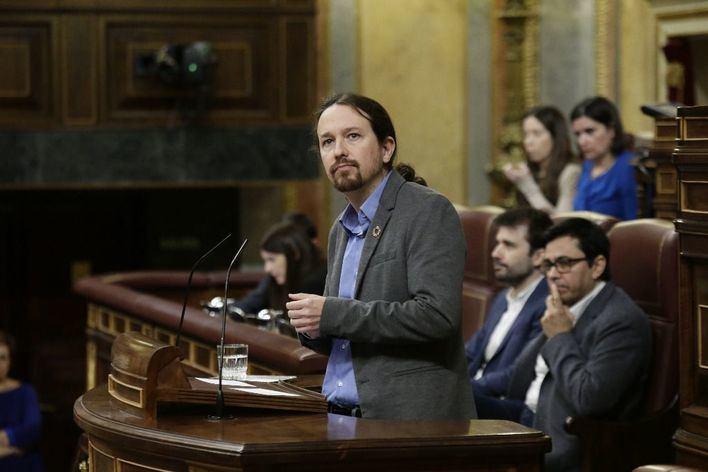 Iglesias acusa a la derecha de ser 'una amenaza' para la monarquía