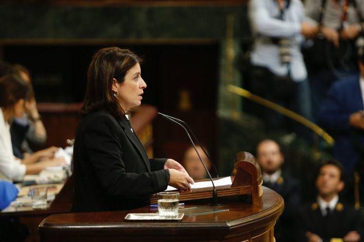 Lastra llama 'valientes' a los diputados que han votado a favor de Sánchez