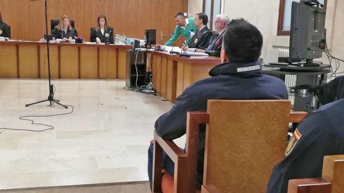Dos años de prisión por estafar 72.000 euros a un amigo en Palma