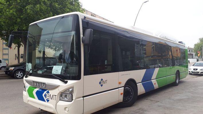 Un bus de la EMT atropella de gravedad a un viandante en Via Alemanya
