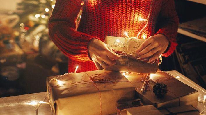 Los baleares reciben una media de dos regalos que no quieren en Navidad
