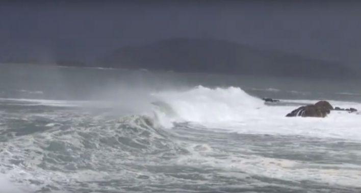 Alerta por Gloria: vientos de 107 kilómetros hora y olas de 10 metros