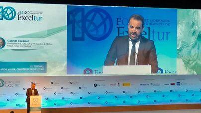 Escarrer, en presencia de Sánchez: 'El empleo turístico peligra si se deroga la reforma laboral'