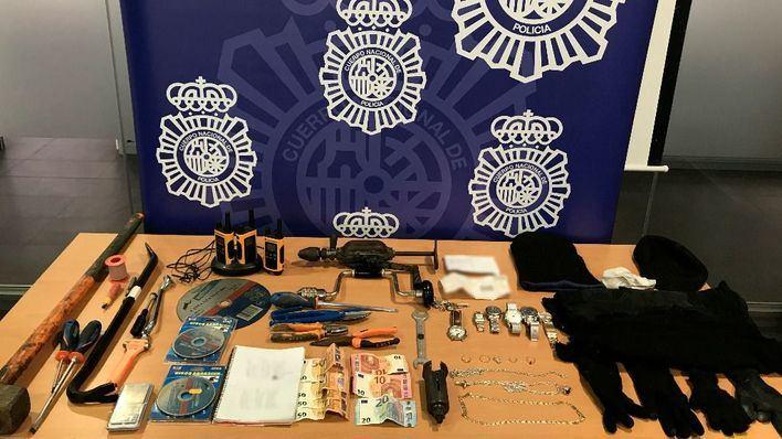 Detenidos tres butroneros por robar una joyería de Ibiza