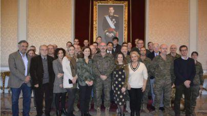 El comandante general de Baleares felicita a los periodistas por su Patrón