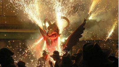El Correfoc despide las fiestas de Sant Sebastià