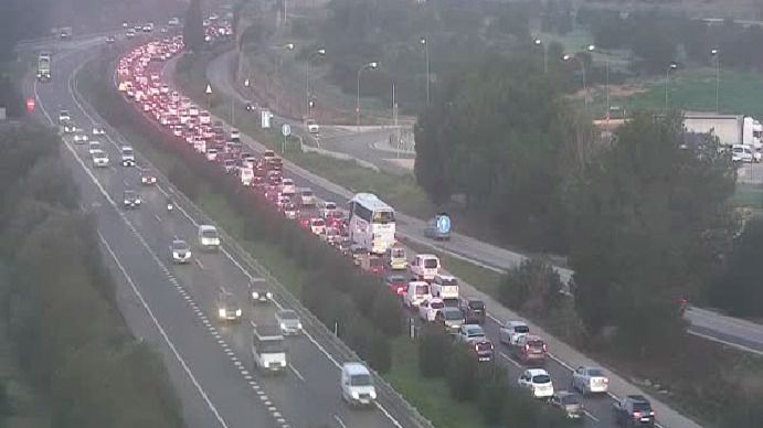 Una suicida provoca un accidente múltiple y colas kilométricas en la Autopista de Llucmajor