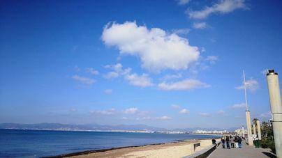 Bancos de niebla para comenzar un jueves con buen tiempo en Baleares