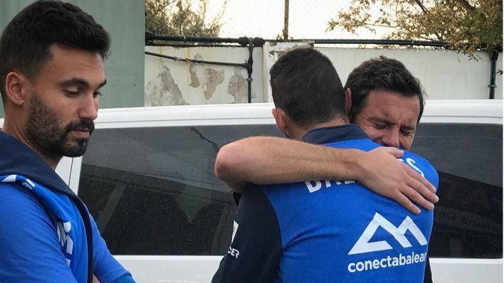 Lágrimas en el vestuario del Atlético Baleares por el adiós de Diego Cervero