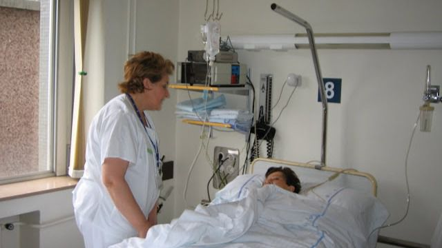 Enfermeros y fisioterapeutas interinos cobrarán igual que los fijos por la carrera profesional