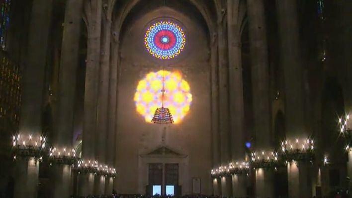 El público responde y llena la Seu para contemplar la 'Fiesta de la Luz'