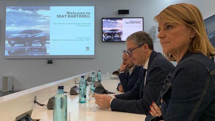 Estaràs y Arias subrayan la importancia del sector del automóvil en la economía