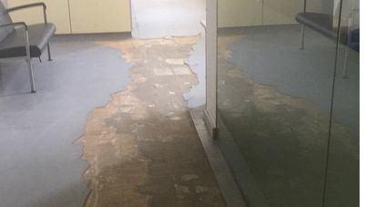 El mal estado del suelo provoca un accidente laboral en el Hospital Psiquiátrico de Palma