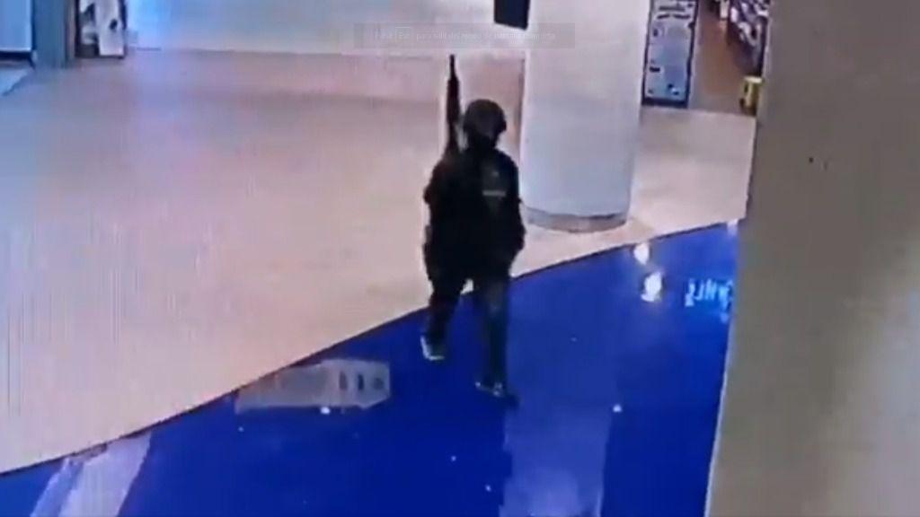 Un militar mata al menos a 17 personas en un centro comercial de Tailandia