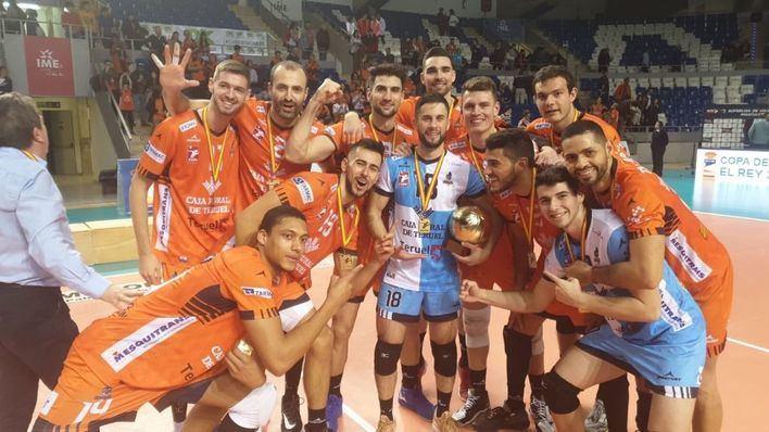El Teruel levanta en Palma su sexta Copa del Rey de voleibol