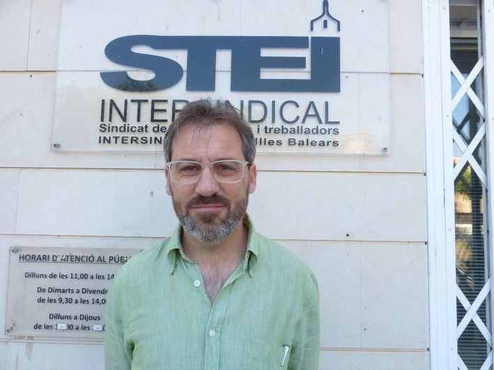 El STEI pide que los tribunales en las oposiciones dominen el catalán