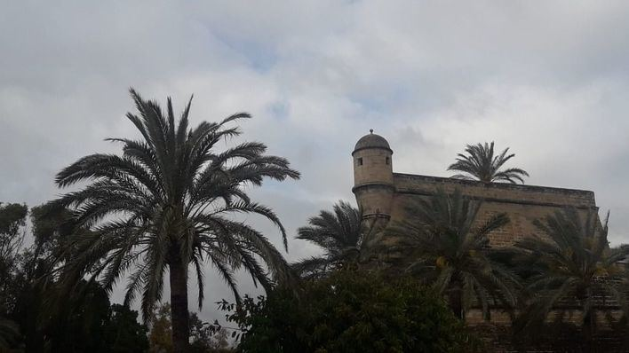 Jueves nuboso con alguna precipitación débil en Mallorca