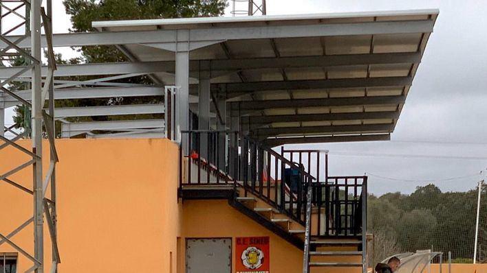 Sineu ya dispone de la grada cubierta del campo municipal