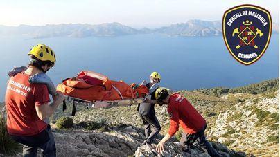 Los Bomberos de Mallorca rescatan a una excursionista herida en Alcúdia