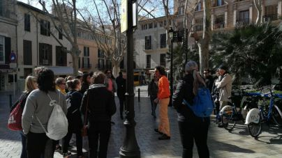 Los guías turísticos ofrecen visitas gratuitas por Palma este viernes y sábado