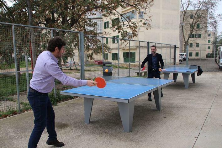 Cort inaugura dos mesas de ping pong en Verge de Lluc