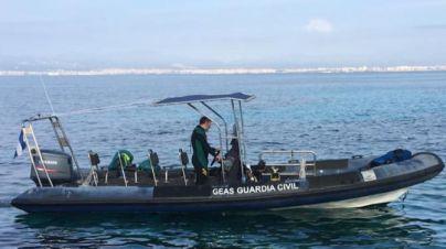 La autopsia del cadáver hallado en aguas de Ciutadella no identifica a la víctima