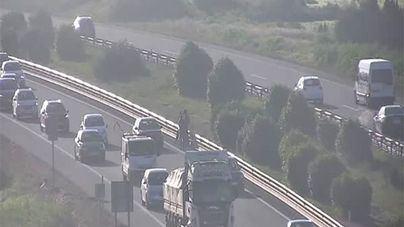 Enésimo atasco en la Autopista de Llucmajor por un accidente