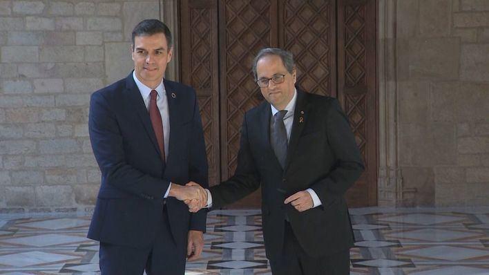 Sánchez cede ante Torra y constituirá la mesa de diálogo el 26 de febrero
