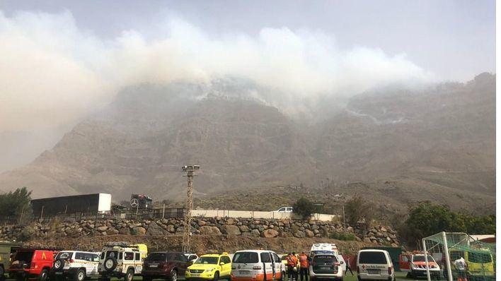 El incendio de Canarias sigue sin control y alcanza la Reserva Natural de Inagua