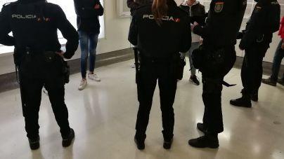 Govern y Consell revisarán cada tres meses los casos de prostitución de menores pero no controlarán las fugas