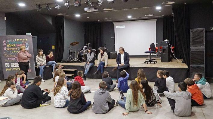 El alcalde responde a las preguntas del Consejo de la infancia de Calvià